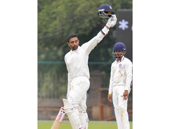 Robin Uthappa hits hat-trick of tons, equals Rahul Dravid's record