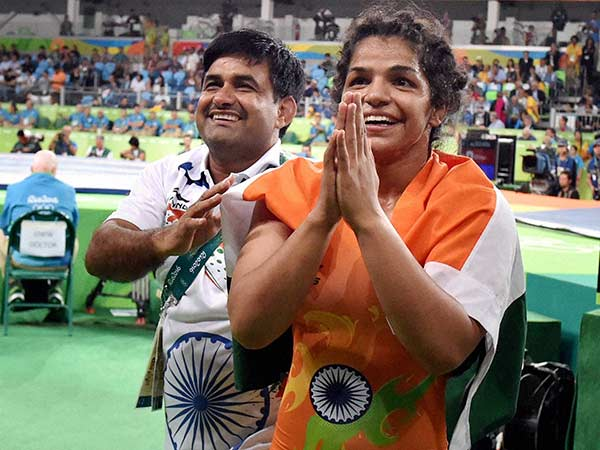 Sakshi Malik S Childhood Coach Waits Her With Old Video Recordings