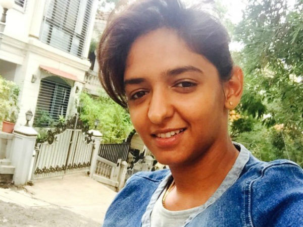 Harmanpreet Waiting