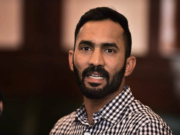 Dinesh Karthik refuses to answer whether he will wear black badge