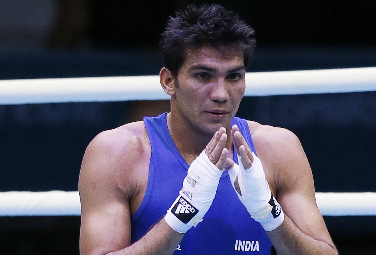 Manoj Kumar advances to pre-quarter finals in 69kg in CWG2018