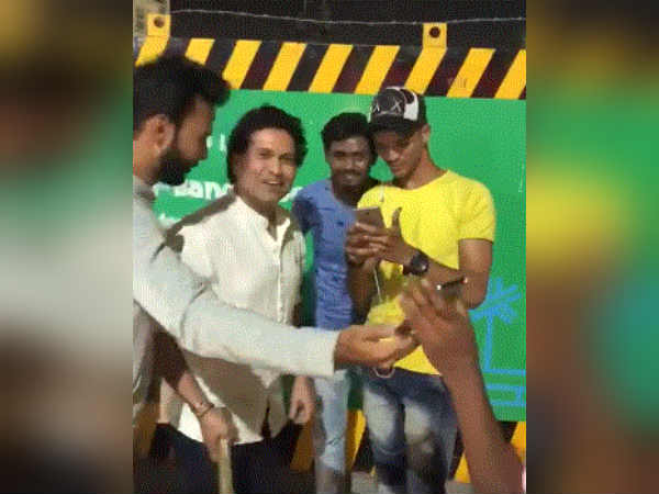 Sachin S Epic Street Cricket Video Mumbai Becomes Viral