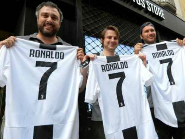 Juventus earns rs. 420 crore by selling ronaldo jersey