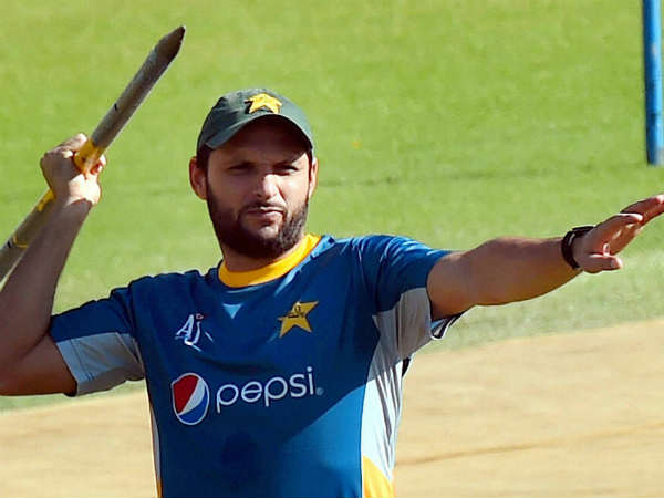 Do you know how gave Boom Boom title to afridi?