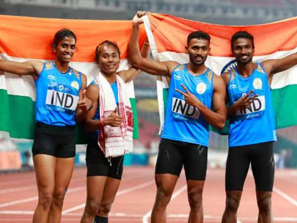 Asian Games 2018 India Bags Gold At Women Relay Race Hima Das Part Of The Team