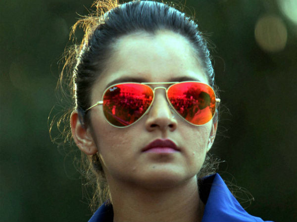 sania mirza destroyed a troll after he wishes her for pakisthan independence day
