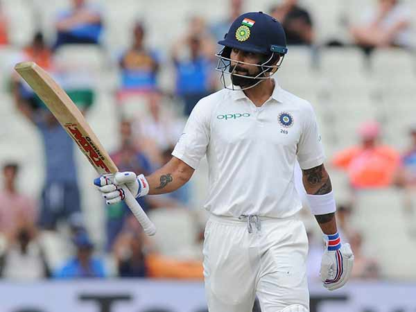 Kholi crosses 7000 runs in tests