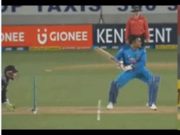 India Vs Newzealand Dhoni S Smartness Beat Ish Sodhi Second T