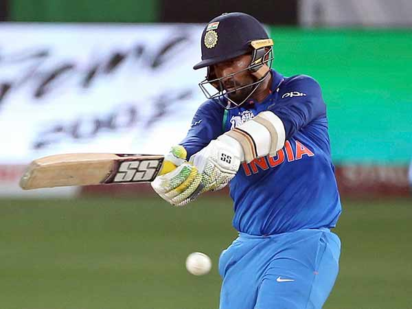 India Vs Newzealand Dinesh Karthik S Small Mistake Costs The Match Says Manjrekar