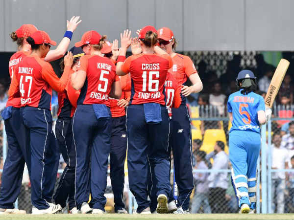 India Fails Score Three Runs Final Over England Sweeps T