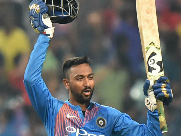 Krunal Pandya Mumbai Indian Player Blasts Double Sixes Net Paracticing And Challenges Robin Sings
