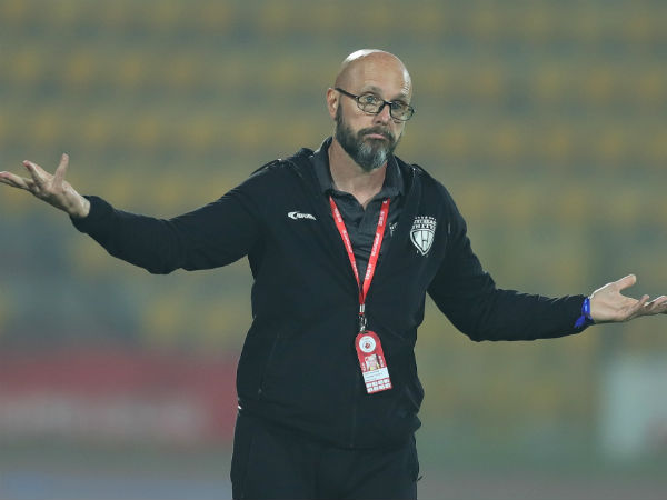 ISL 2019 - Schattorie turned a Mini-Cooper into a Ferrari at North East United FC