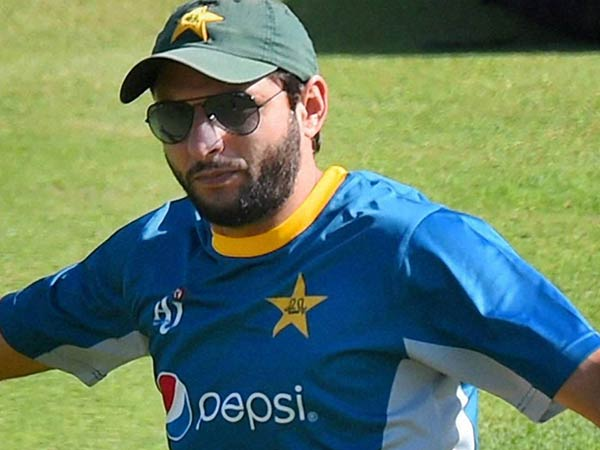 Shahid afridi ruined plenty of careers for his own good says imran farhat