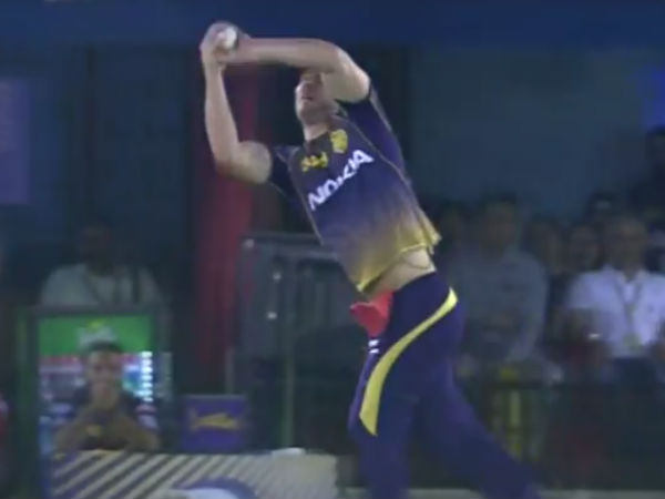 Ipl 2019 Kxip Vs Kkr Chris Lynn Took A Catch While Talking In Mic On Live Tv