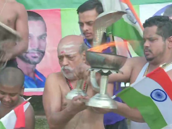 கங்கை நதியில் ஆரத்தி.. அதிகாலையிலேயே நடந்த சிறப்பு பூஜை.. களைகட்டும் இந்தியா - பாக். போட்டி!