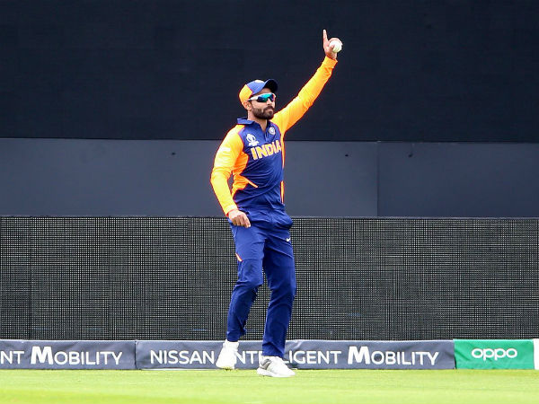 ICC World Cup 2019: India vs England: Ravindra Jadeja and Chris Woakes takes a stunning catch