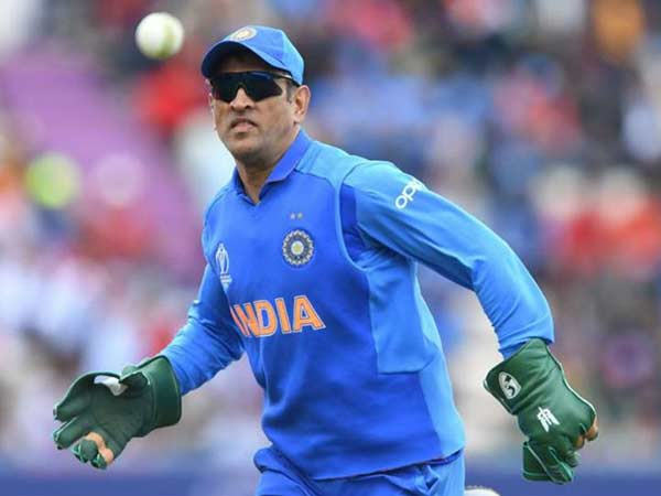 Dhoni 2nd Indian player who played 350 matches for india, is new world record