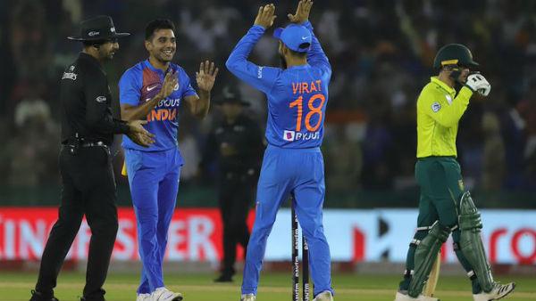 IND vs SA : 2வது டி20யில் டாஸ் வென்ற கோலி.. இந்திய அணியில் இடம் பெற்ற நான்கு ஆல்-ரவுண்டர்கள் யார்?