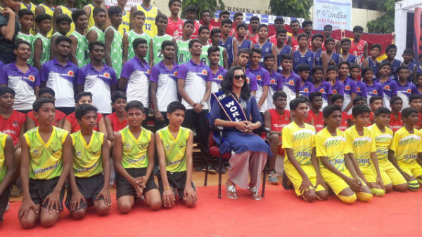 PV Sindhu came to chennai to gave away scholarship to students
