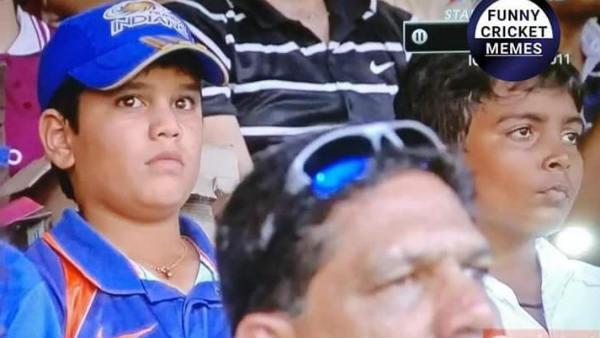 இந்த குட்டிப் பசங்க யாருன்னு தெரியுதா? வைரல் ஆகும் 2011 உலகக்கோப்பை பைனல் புகைப்படம்!