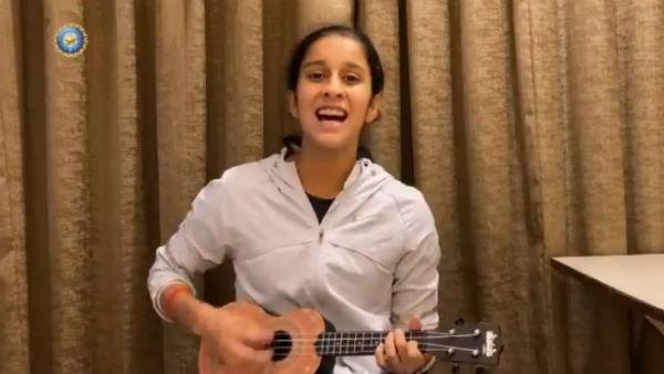இசை வீடியோவை வெளியிட்டு ரசிகர்களை கொள்ளை கொண்ட ஜெமிமா ரோட்ரிக்ஸ்