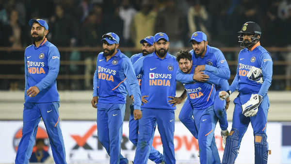 3 அணிகளில் 3 வீரர்கள்.. ரோஹித்துக்கு எதிரான காய் நகர்த்தல்.. மாஸ்டர்பிளான்.. லாக் செய்த கோலி!