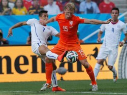 World Cup 2014 Netherlands Beat Chile 2 0 With 2 Late Goal