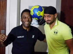 Tweaker The King Harbhajan Meets Pele Brazil