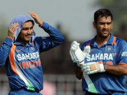 Dhoni Shewag Play A Charity T20 Match At The Oval