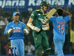 Modest Ms Dhoni Credits Bowlers India S Victory Indore