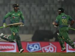Asia Cup T20 Shoaib Malik Umar Akmal Steer Pakistan Victory Against Uae