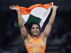 Wrestler Sakshi Malik Wins India S First Medal