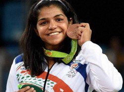 India S History Maker At Rio Olympics 2016 Who Is Sakshi Malik
