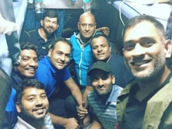Ms Dhoni Travels Train After 13 Years Shares Selfie With Jharkhand