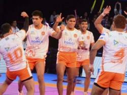 Pro Kabaddi League 2017 Puneri Paltan Outclass Bengal Warriors