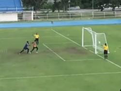 Football Player Thailand Done Bizarre Penalty Goal