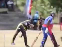 A Player From Sri Lanka Is Bowling A Very Different Way