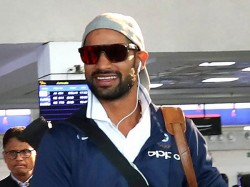 Shikhar Dhawan Goes Sa Without Family Lashes Airlines