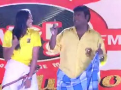 Chennai Smashers Team Jersy Introduction Turns Smart Moment Because Of Pv Sindhu Vijaya Prabhakar