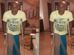 Jayasuriya Is Suffering From Knee Injury Cant Walk