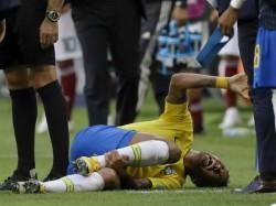 Neymar Mocks Himself On The Rolling Act