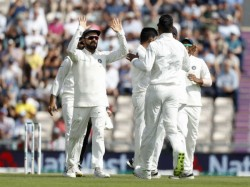 Virat Kohli Silently Sledge Joe Root On His Second Innings Arrival At No
