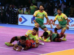 Pro Kabaddi League Pkl 2018 Patna Pirates Beat Up Yoddha