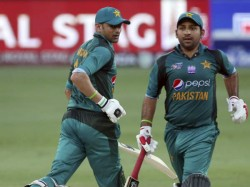 Pakistan Captain Sarfraz Ahmed Criticized Getting For Duck Vs South Africa