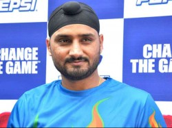 India Vs Australia Harbhajan Comments On Ashwin Is Of Orde