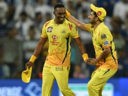 All Rounder Bravo Created The Record For The First Player To Bring 100 Wickets For Csk