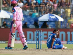 Ipl 2019 Dc Vs Rr Amit Mishra Missed His Fourth Hatrick After A Simple Catch Dropped