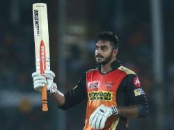 Ipl 2019 Srh Vs Dc Eliminator Shreyas Iyer Caught The Ball And Throw It Out For Six