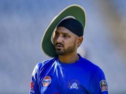 Cricket World Cup 2019 Harbhajan Singh Supports Kuldeep Yadav And Yuzvendra Chahal