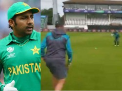 Aus Vs Pak Cricket World Cup 2019 Pakistan Captain Sarfaraz Ahmed Trolled After Pratice Session